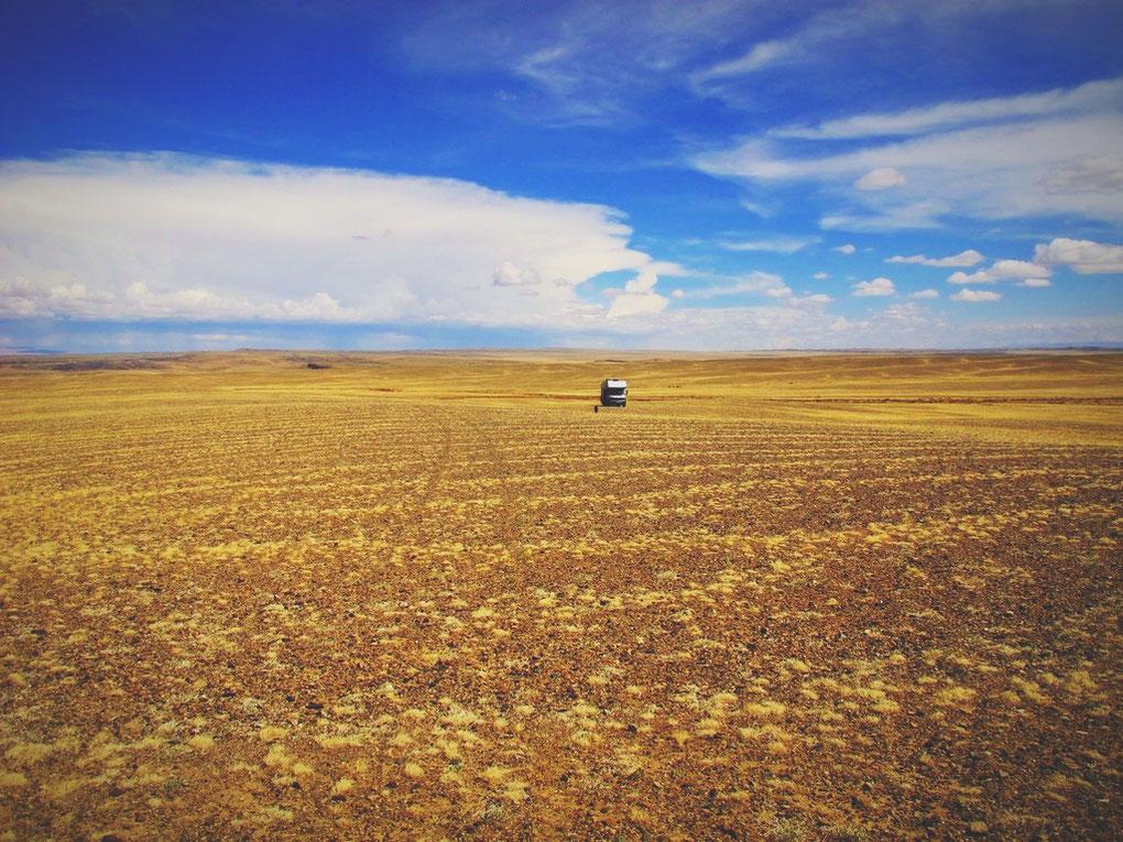 bigousteppes mongolie steppes routes désert gobi altai camion mercedes