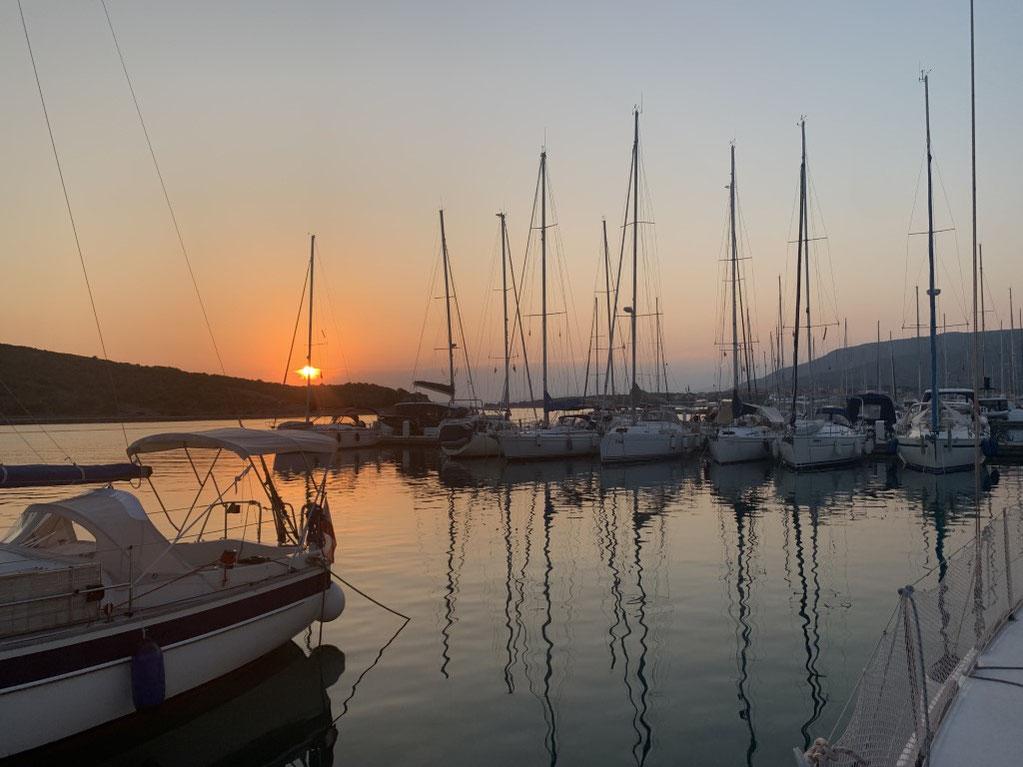 Kroatien, Cres, Marina, Yacht, Sonnenuntergang