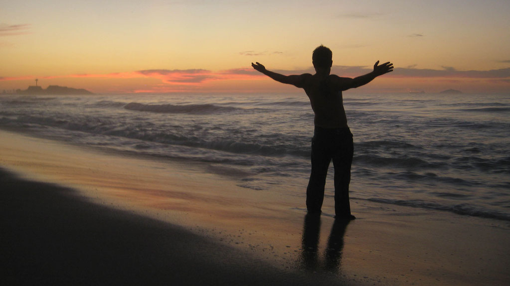 Starting a new day on Ipanema Beach in Rio de Janeiro | Brazil