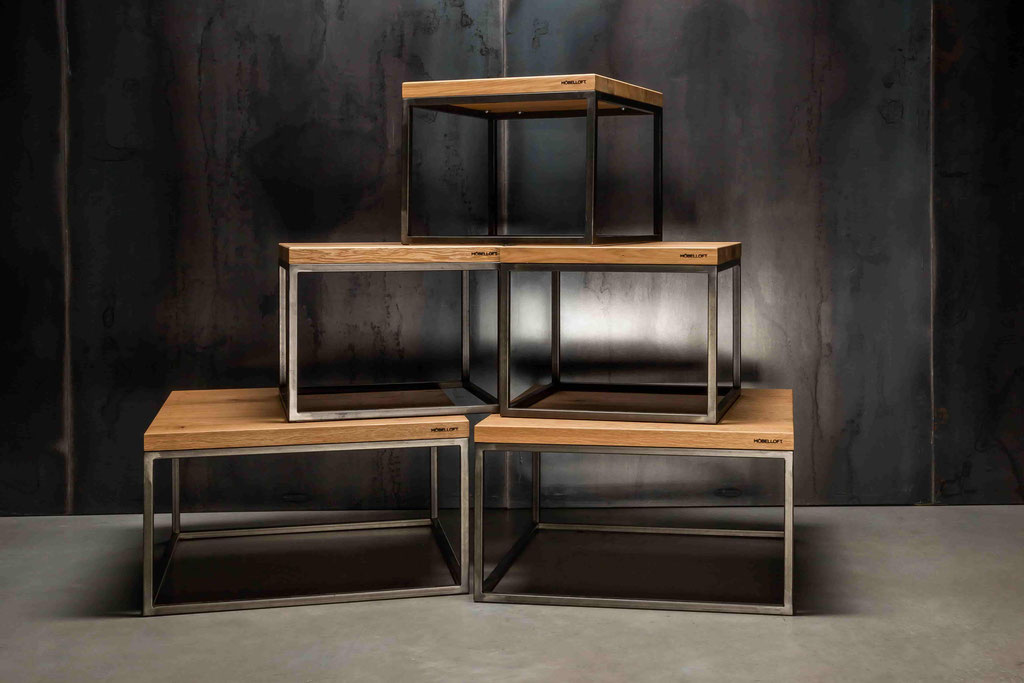 Einzigartig, wertig und wunderschön. Die Couchtisch Serie MÖBELLOFT Klassik aus Eichenholz und Stahl.