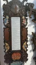 """Abb. 3: Der """"ELENCHUS"""" mit den fünf umgebenden Bildkartuschen (Foto: Malzer)."""