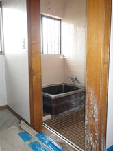 浴槽(リフォーム前)K邸扉側から