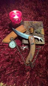 Das Werkstatt-Messer in der Telchinen-Schmiede als Schwenkerl geschmiedet und gebaut. Als Vorbild dieser Messerform wurde ein Messer aus der Zeit der Kelten genommen.