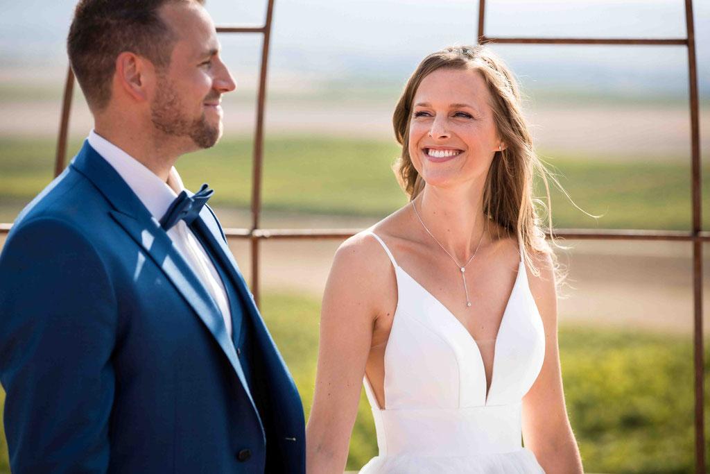 Hofgut Donnersberg, Außerhalb 3, 55578 Vendersheim, Hochzeitsfotograf, Hochzeitsbilder, Hochzeitsfoto, Ehepaar bei der freien Trauung