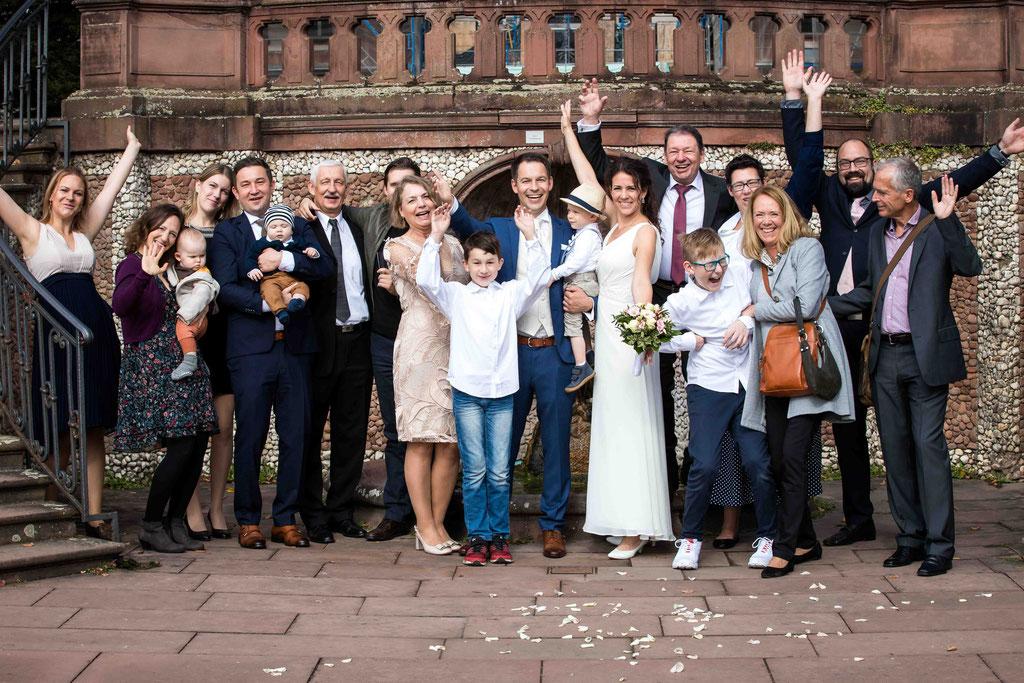 Gruppenbilder, Hochzeit Standesamt Höchst Bolongaropalast, Seilerbahn 2, 65929 Frankfurt am Main, Brautpaar im Emmerichpavillon Bolongaropalast