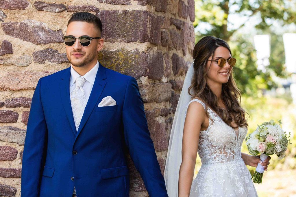 First Look, Erste Begegnung Brautpaar, kribbeln im Bauch Hochzeitsfotos