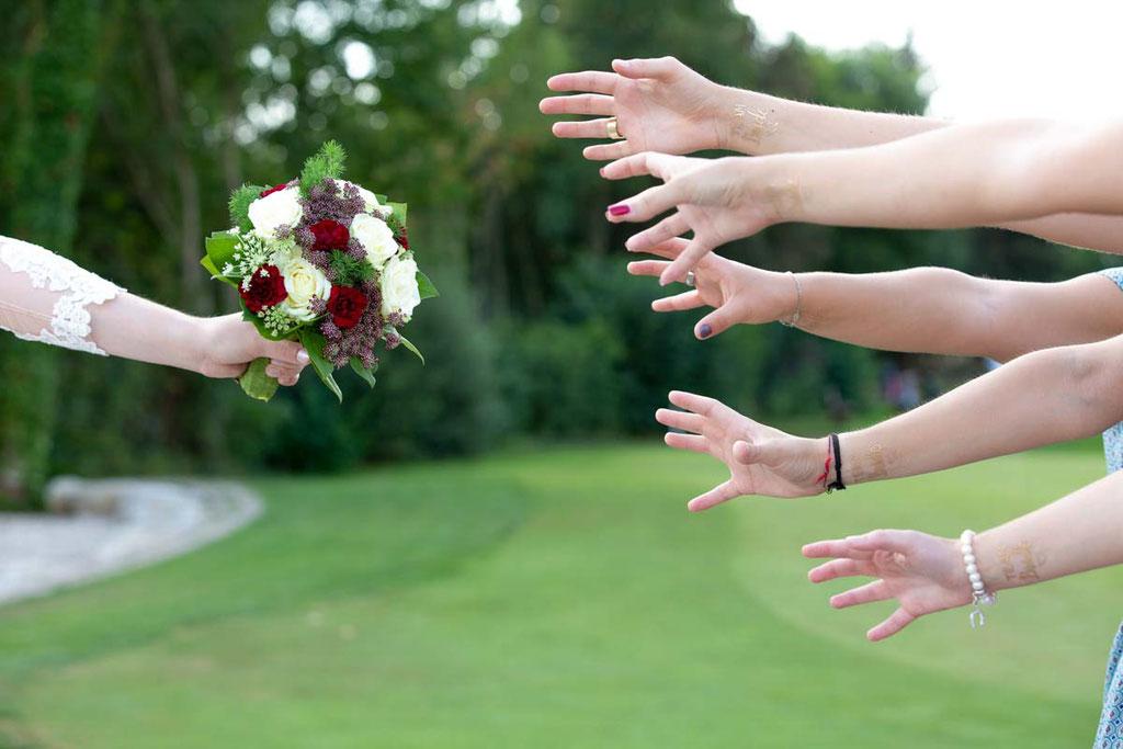 Brautstrauß Begierde, Hochzeitsfotograf, Hochzeitsfotografin, Hochzeitslocation Golfresort Gernsheim, Golfparkallee 1, 64579 Gernsheim