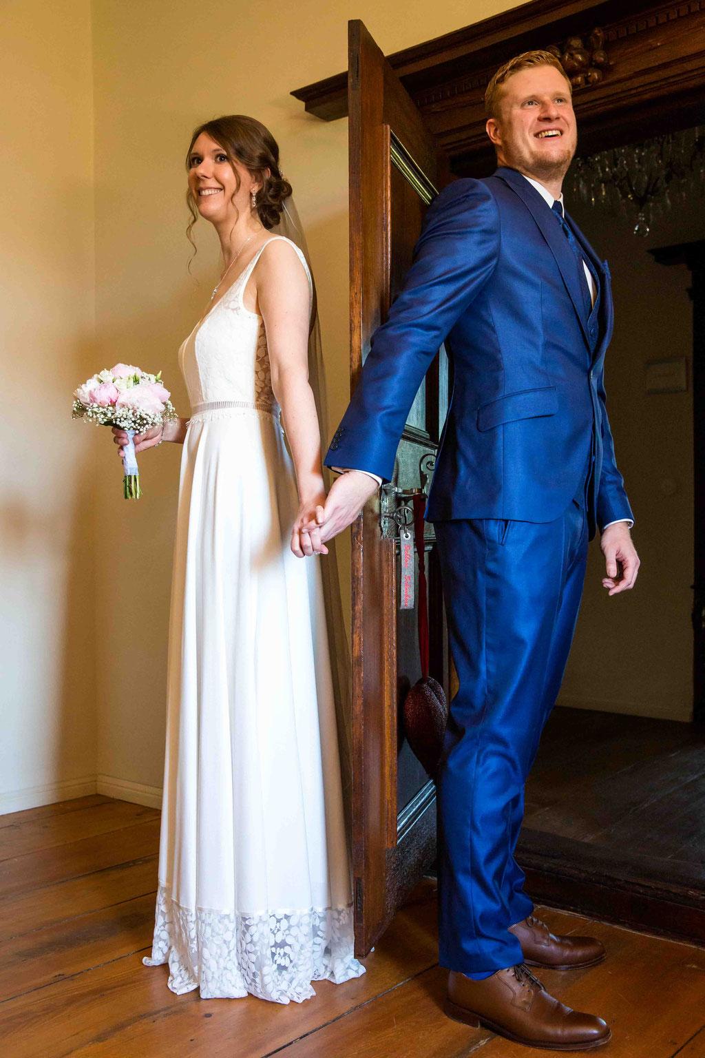 First Look, Erste Begegnung von Braut und Bräutigam, Hochzeitsfotos neumodisch, Hochzeitsbild Brauch Hochzeit