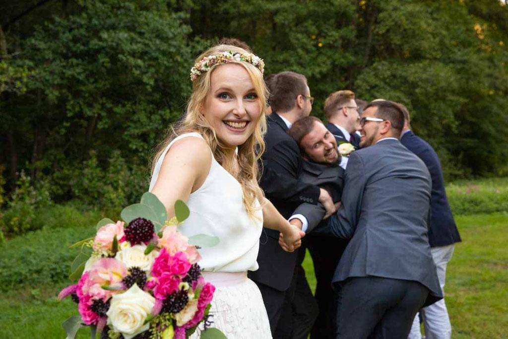 Humorvolle Hochzeitsbilder, Hochzeitsbilder die Spaß machen, Spaß bei den Hochzeitsbildern
