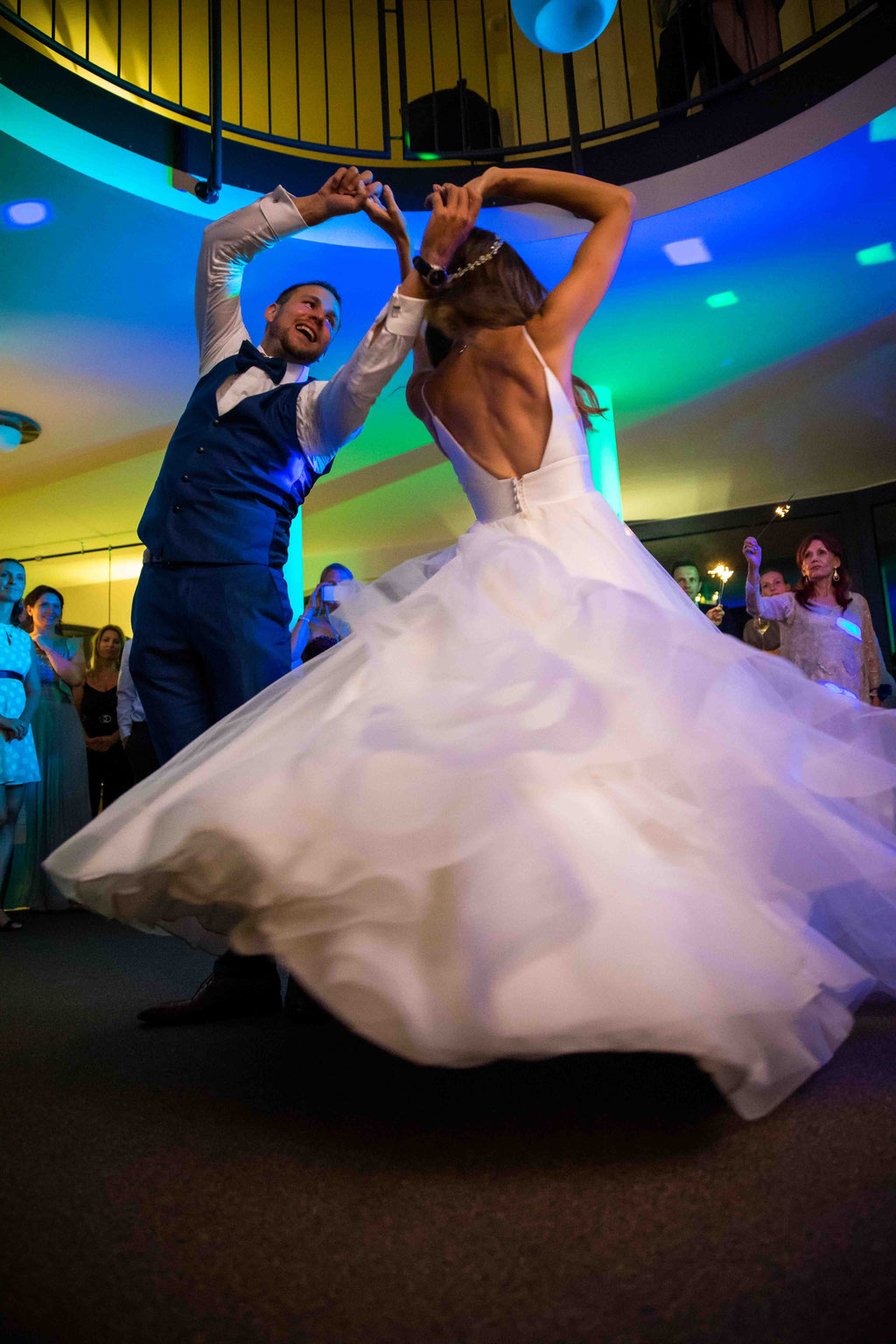 Hofgut Donnersberg, Außerhalb 3, 55578 Vendersheim, Hochzeitsfotograf, Hochzeitsbilder, Hochzeitsfoto, Paarbilder, Ehefoto, Hochzeitsreportage Hofgut Donnersberg, Hochzeitstanz
