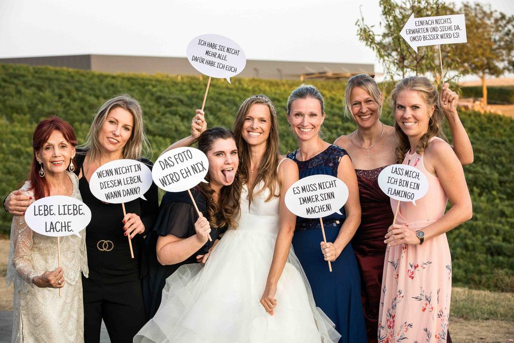 Hofgut Donnersberg, Außerhalb 3, 55578 Vendersheim, Hochzeitsfotograf, Hochzeitsbilder, Hochzeitsfoto, Paarbilder, Ehefoto, Hochzeitsreportage Hofgut Donnersberg, Hochzeitsbilder mit den Mädels