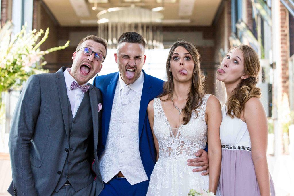 Gruppenbilder Hochzeitsgäste, Hochzeitsbild Gruppenfoto, Gruppenaufnahmen der Hochzeitsgäste