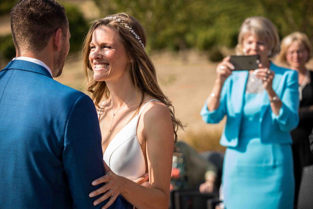Hofgut Donnersberg, Außerhalb 3, 55578 Vendersheim, Hochzeitsfotograf, Hochzeitsbilder, Hochzeitsfoto, Erste Begegnung von Braut und Bräutigam