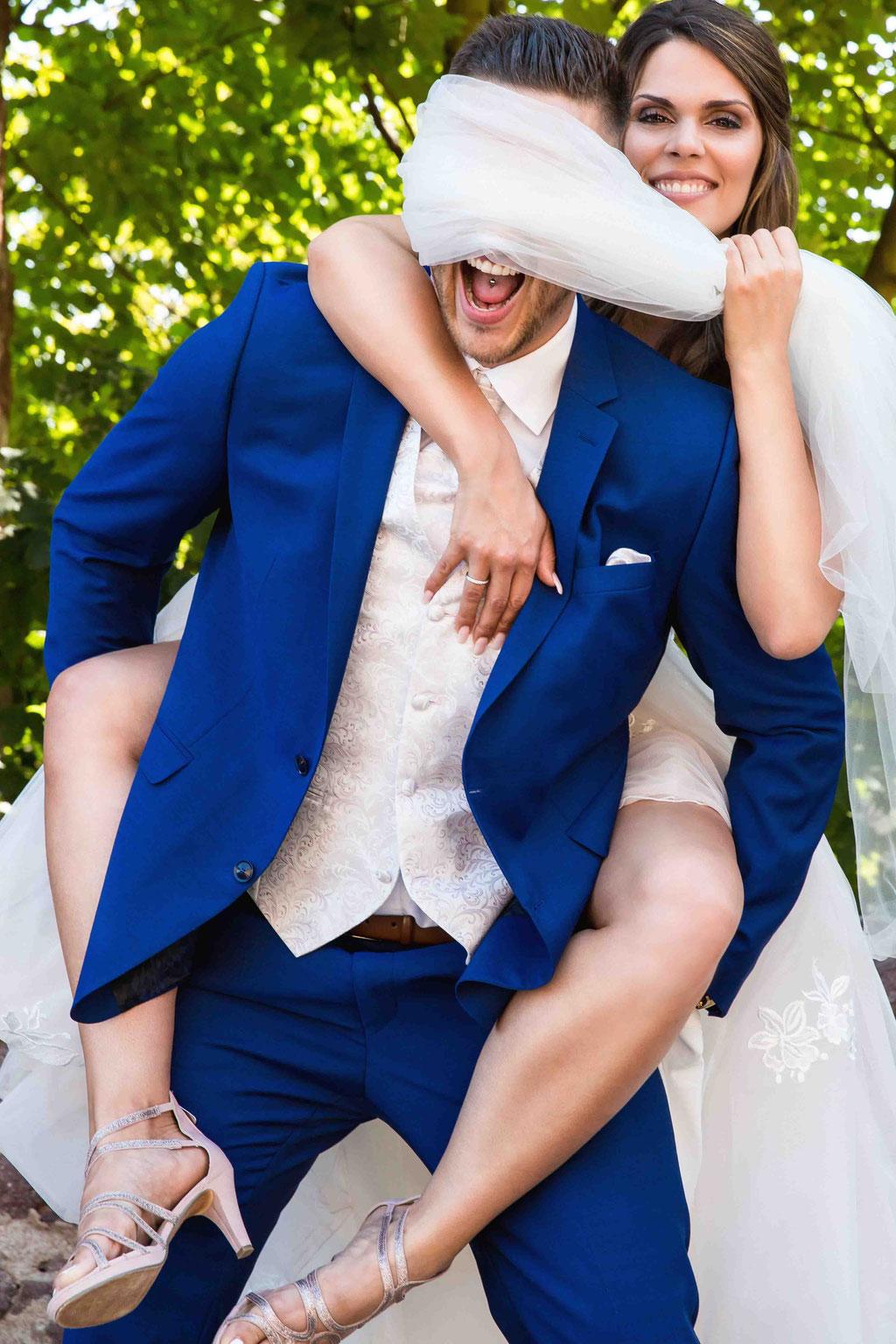 Lustige Ehebilder, fetzige hochzeitsbilder, humorvolle Hochzeitsfotos, kreative Bilder unserer Hochzeit, Hochzeitsfotograf der Premiumklasse