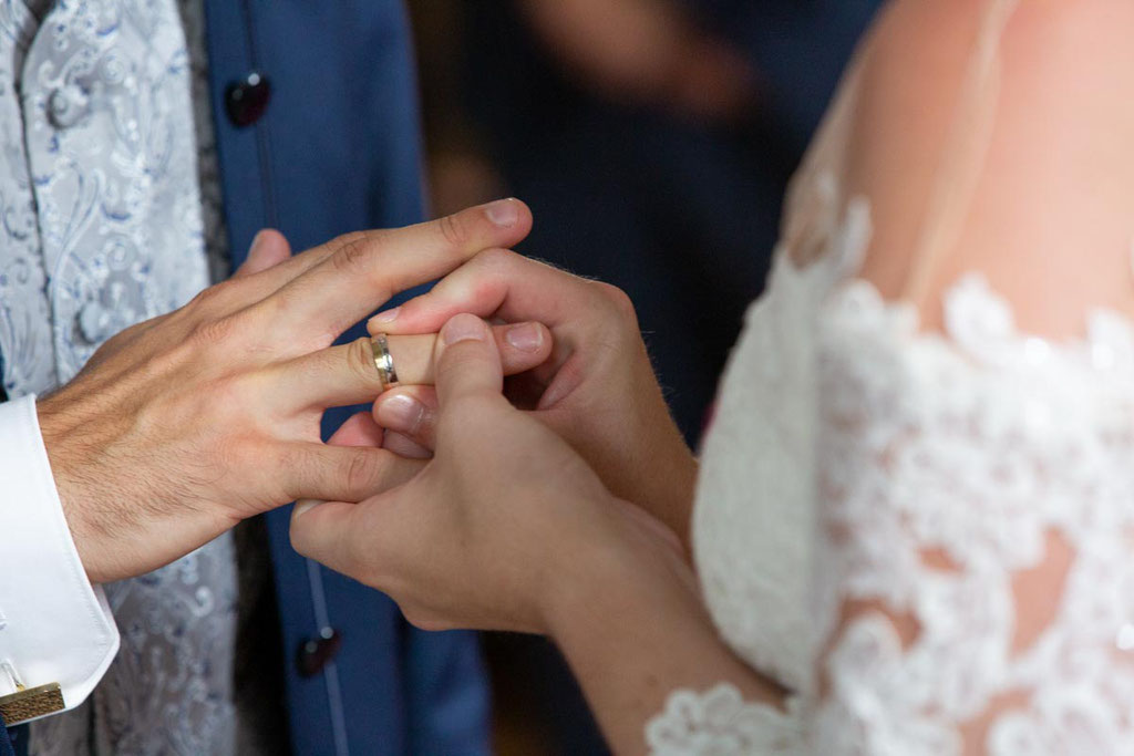 Ringaustausch, Hochzeitsfotograf, Hochzeitsfotografin, Hochzeitslocation Golfresort Gernsheim, Golfparkallee 1, 64579 Gernsheim