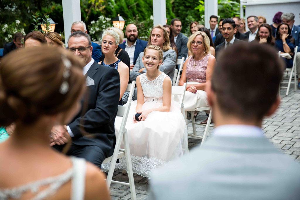 Hochzeitsgäste, Gruppenbild, Stimmung auf der Hochzeit Fotos