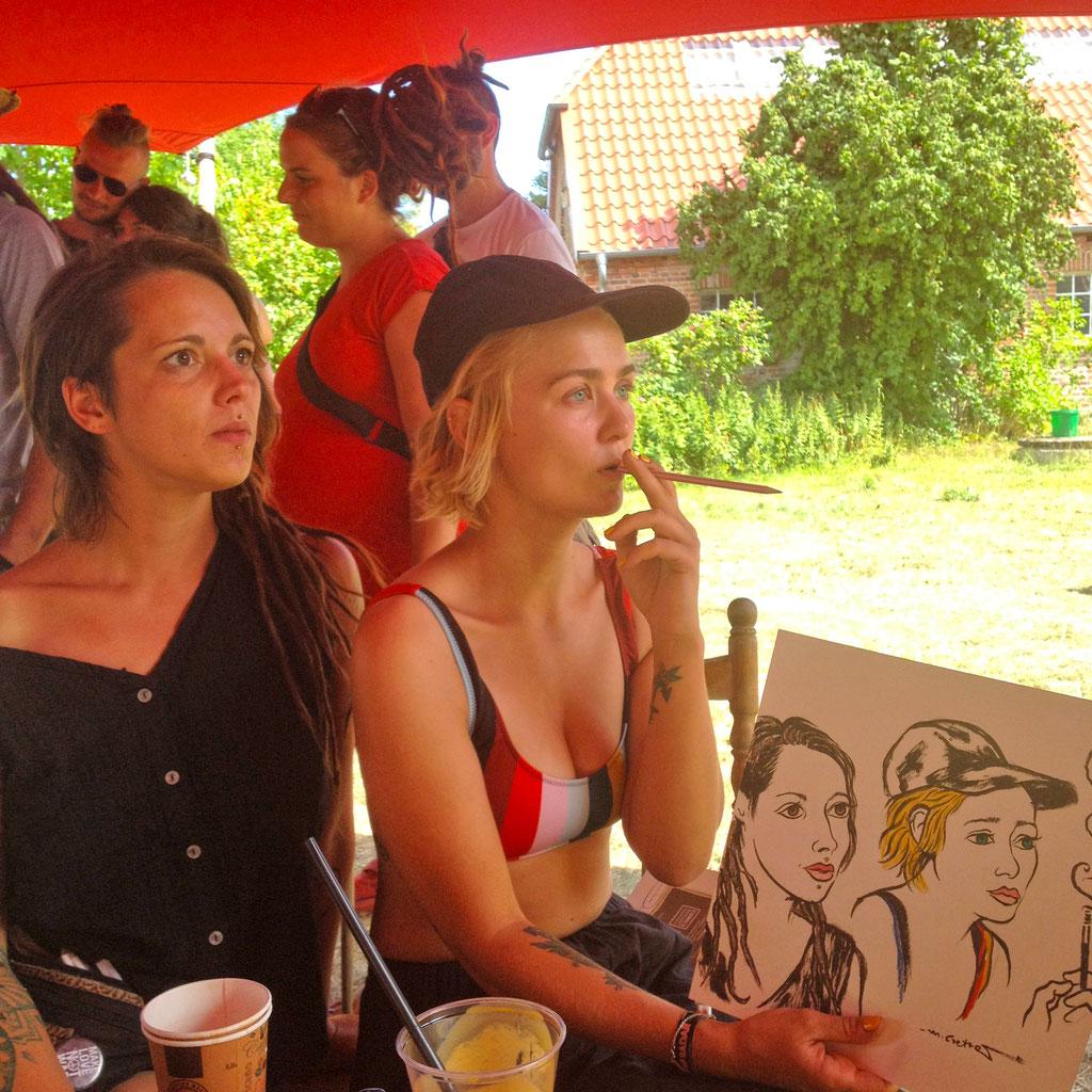 Portraitzeichnen beim Off the Radar - Festival