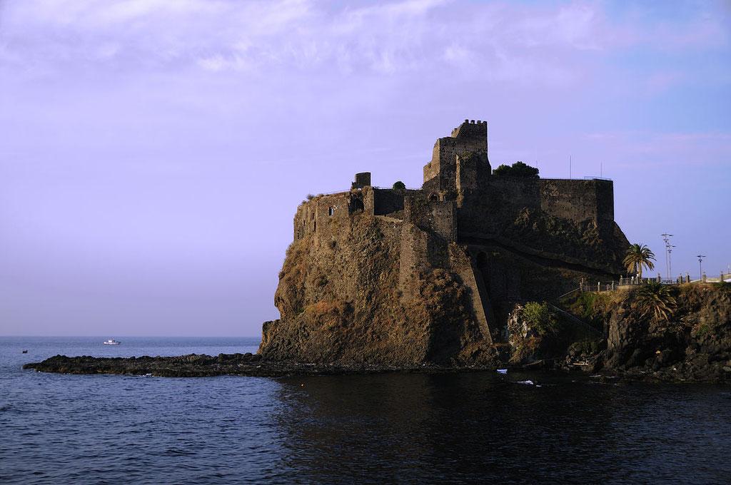 Aci Castello, Normannische Festung