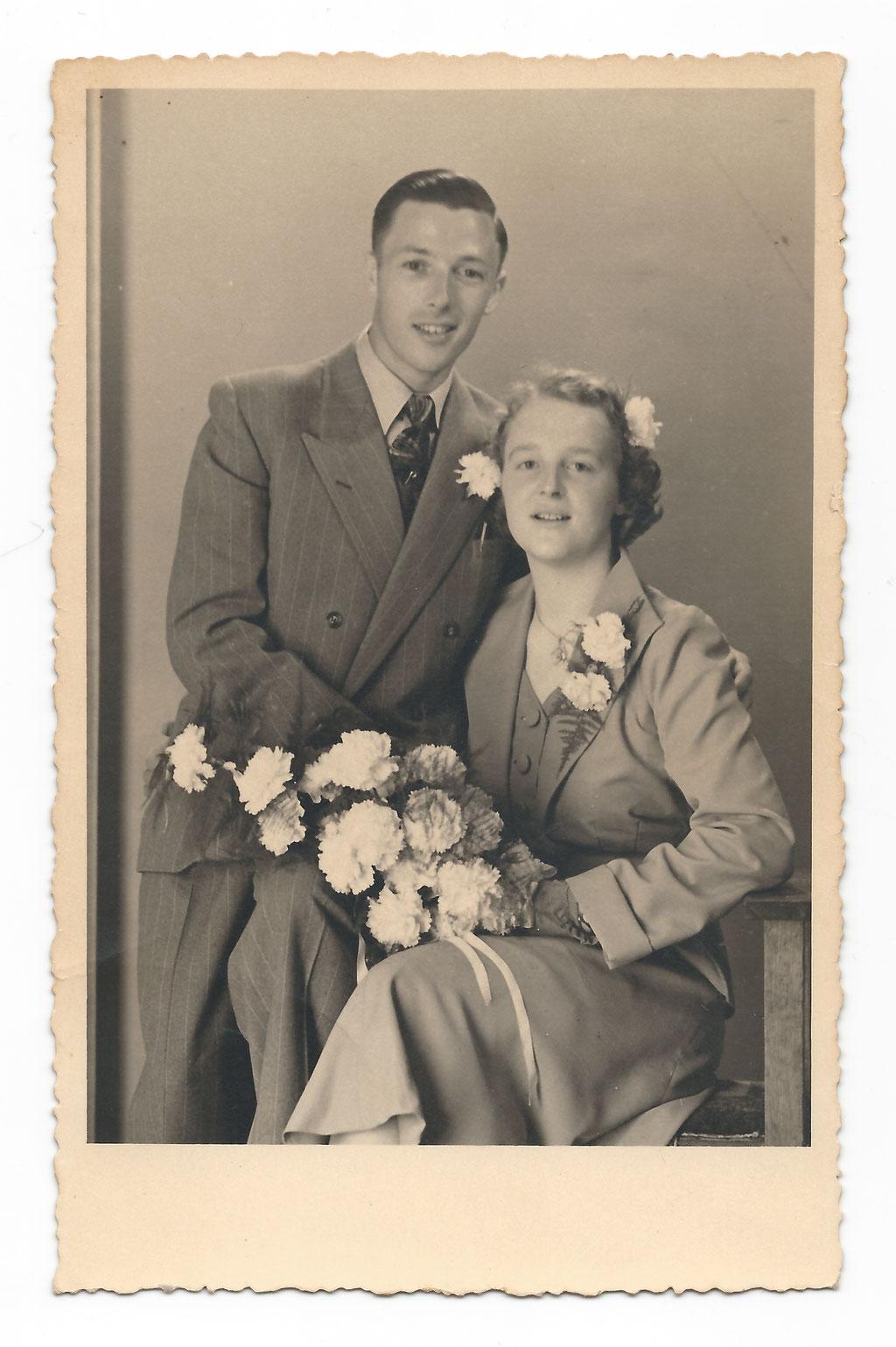 Na terugkomst uit Indië trouwden ze heel eenvoudig. Geen ringen en inwonen bij ouders... Maar ze bleven 65 jaar lang samen in een gelukkig huwelijk