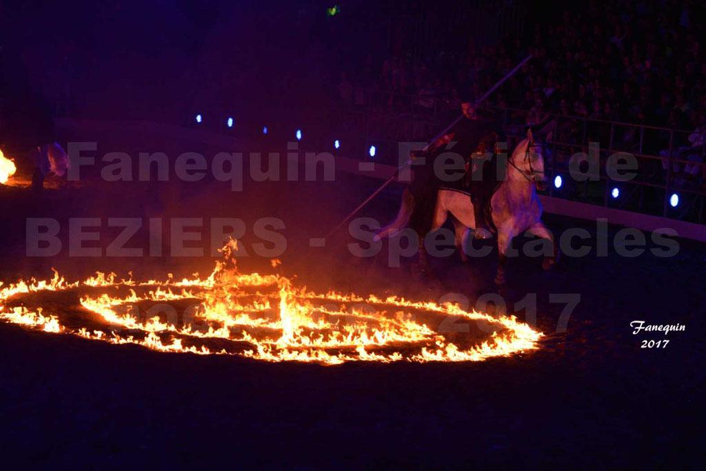 """Nuits Équestres"" - Féria de BEZIERS 2017 - Compagnie IMPULSION - ""Gouache de feu"" (spirales de feu)"