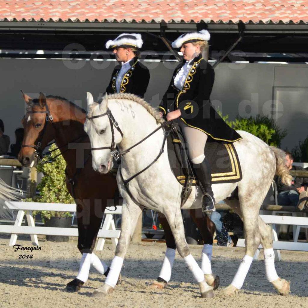 """Carrousel de cavalières Equitation de travail lors du salon """"Equitaine"""" à Bordeaux en 2014 - 32"""