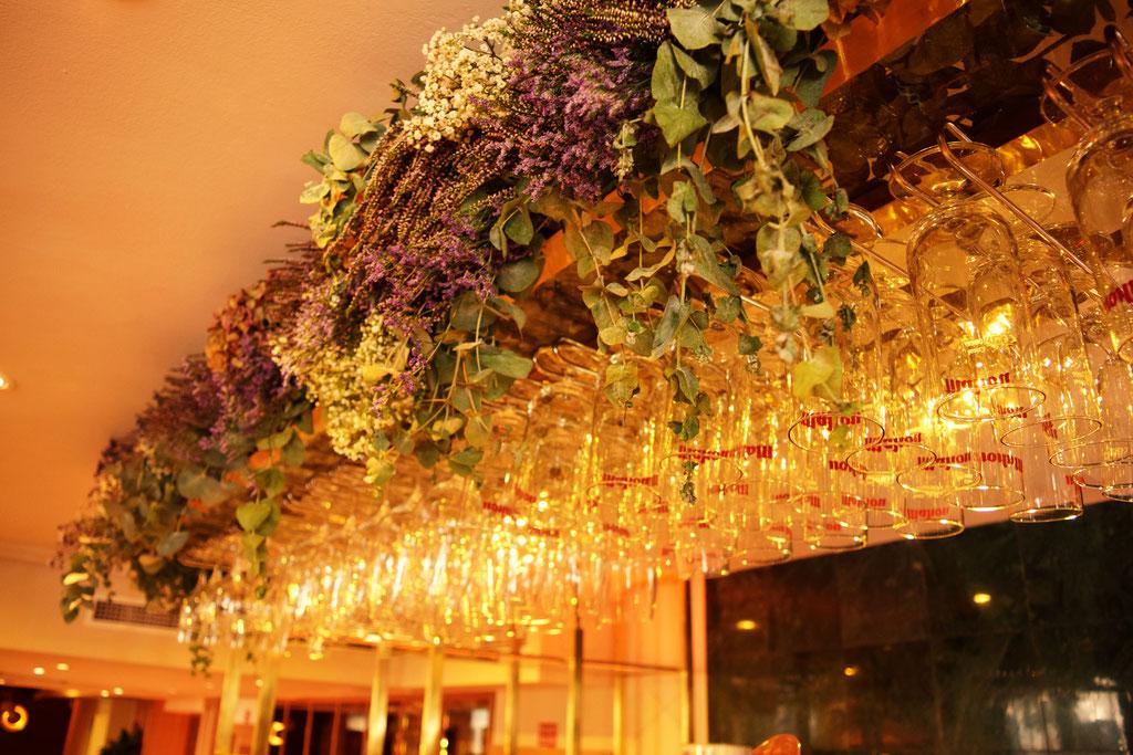 Resultado de imagen de decoracion restaurantes copas