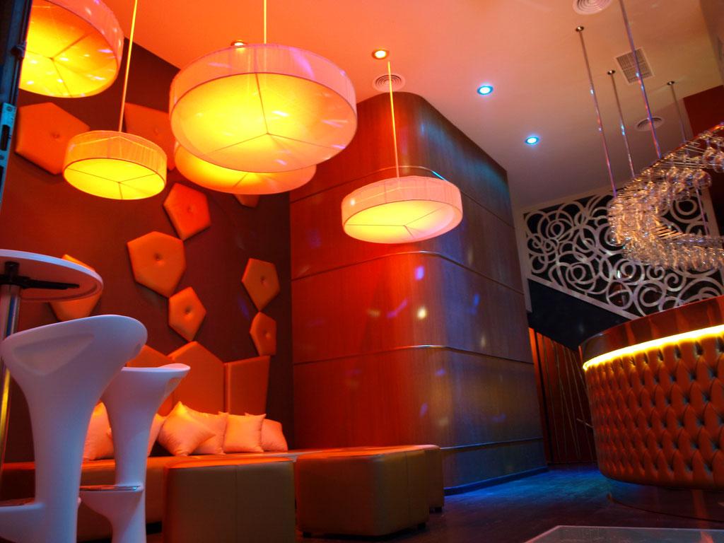 Resultado de imagen de decoracion de restaurantes con copas
