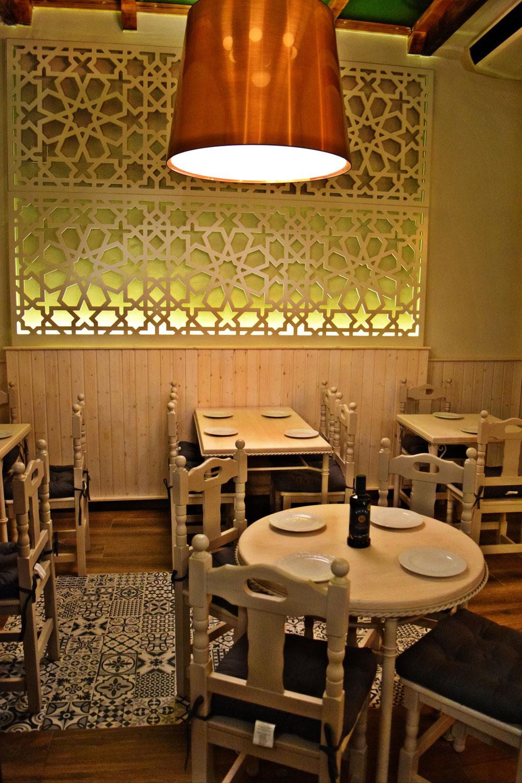 Resultado de imagen de decoracion restaurantes mesones