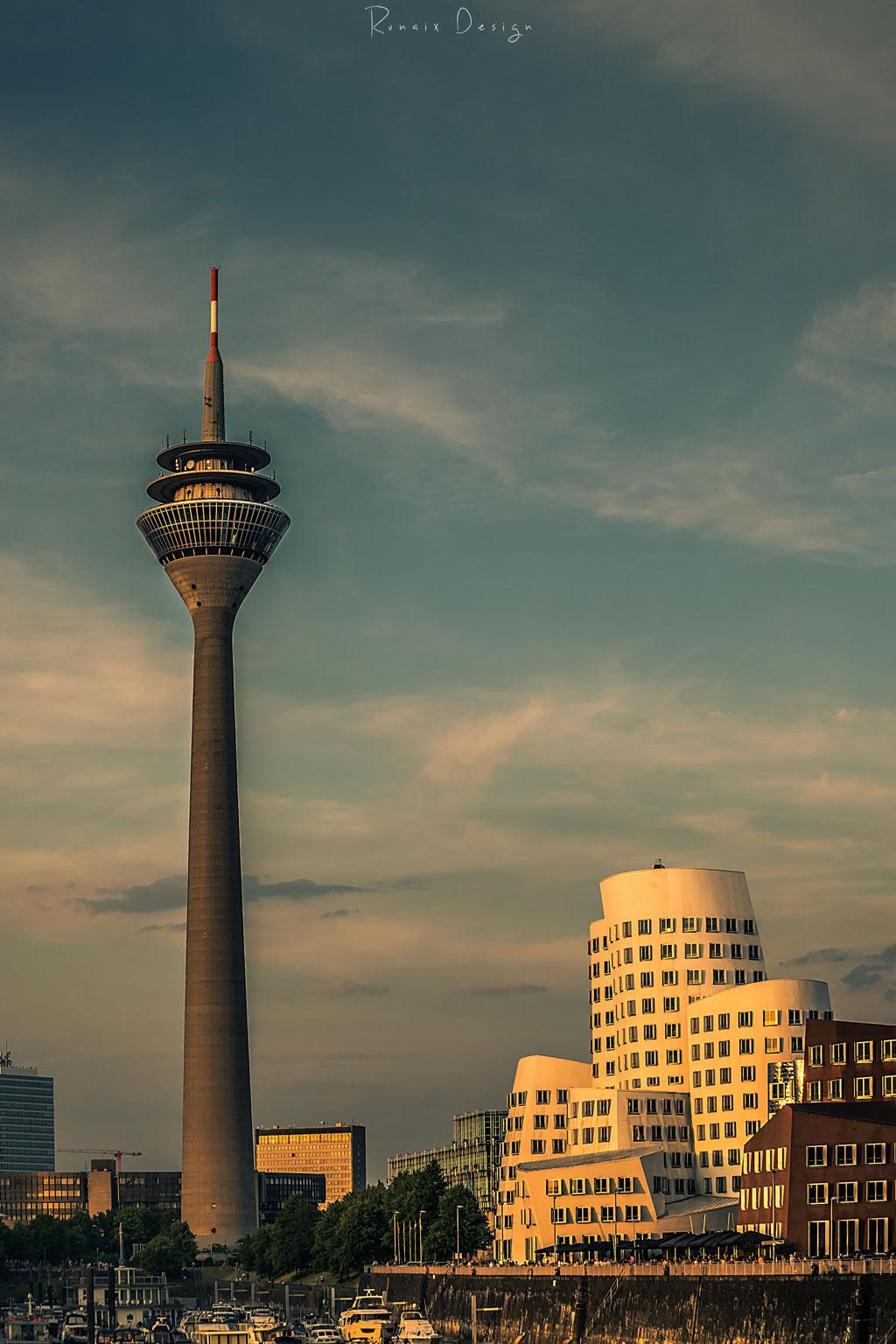 Düsseldorf in der goldenen Stunde