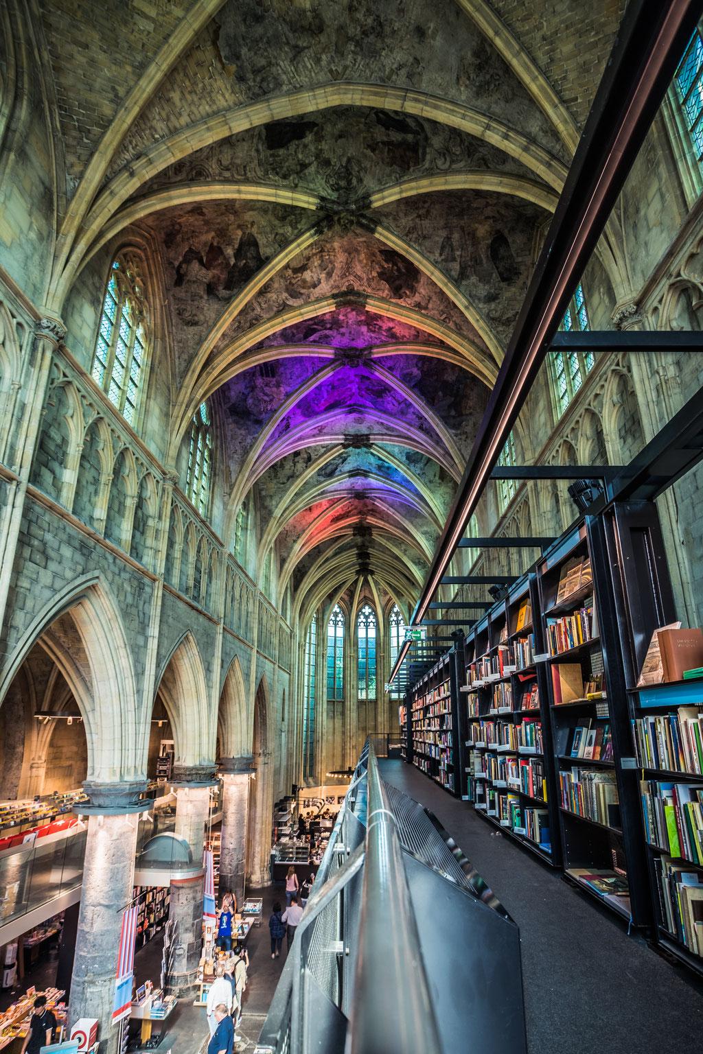 Maastricht - Boekhandel Dominicanen