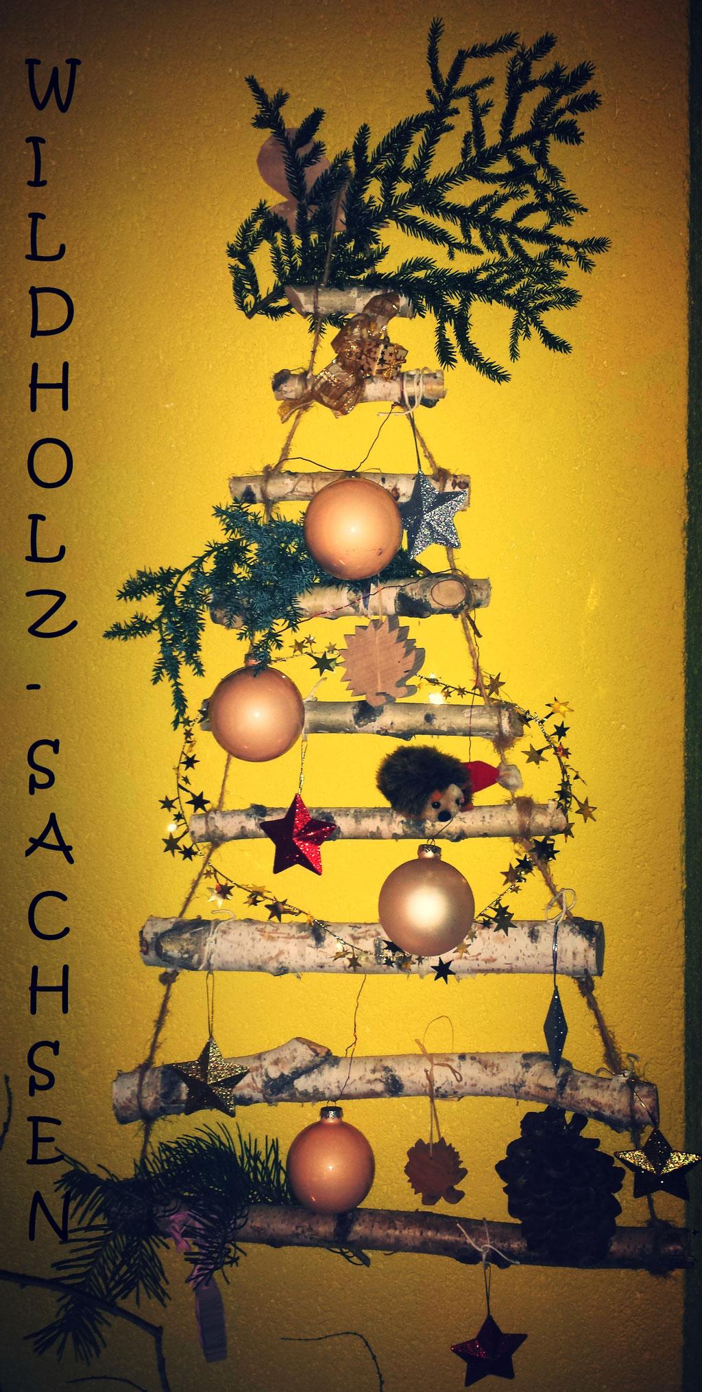 Weihnachtsbaum mal anders (kann nicht nadeln und ist wieder verwendbar)