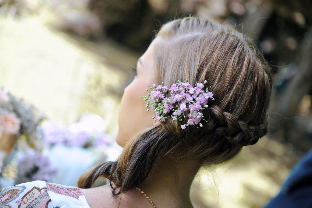 Haarblumen Hochzeit