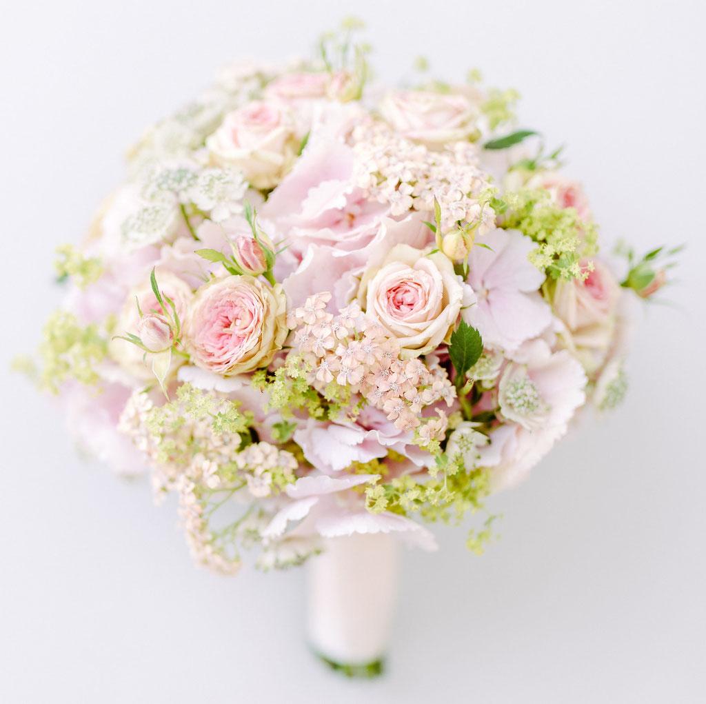 Brautstrauss romantisch