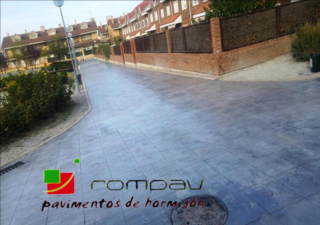 Hormigon impreso Valdemoro Madrid color gris molde piedra inglesa