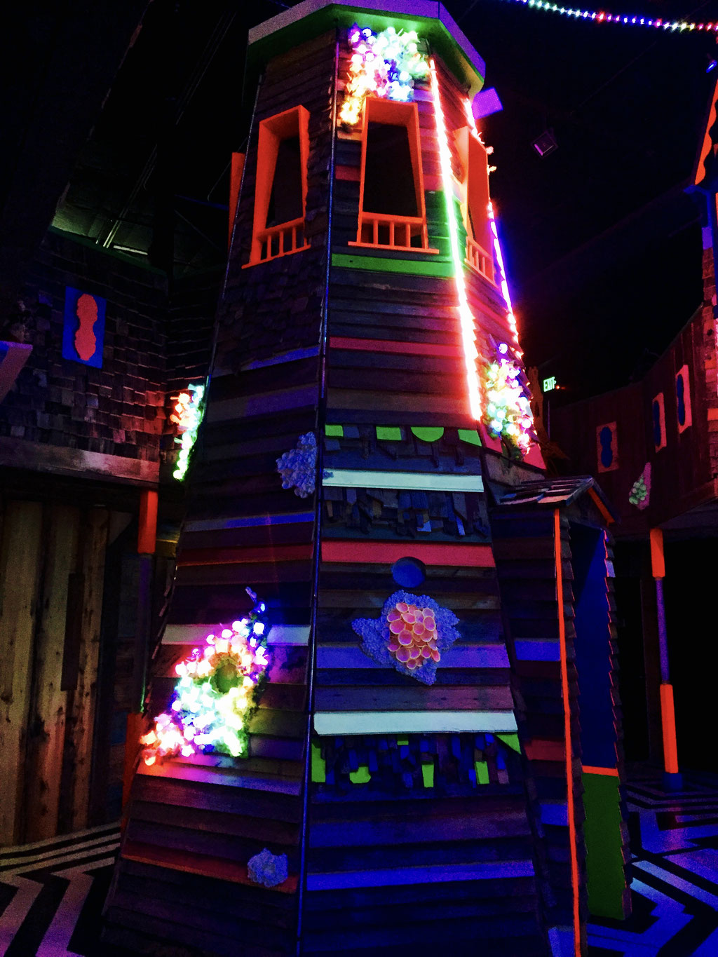 meow wolf blacklights