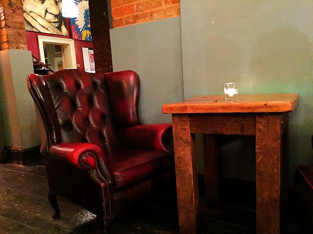 british pub chair
