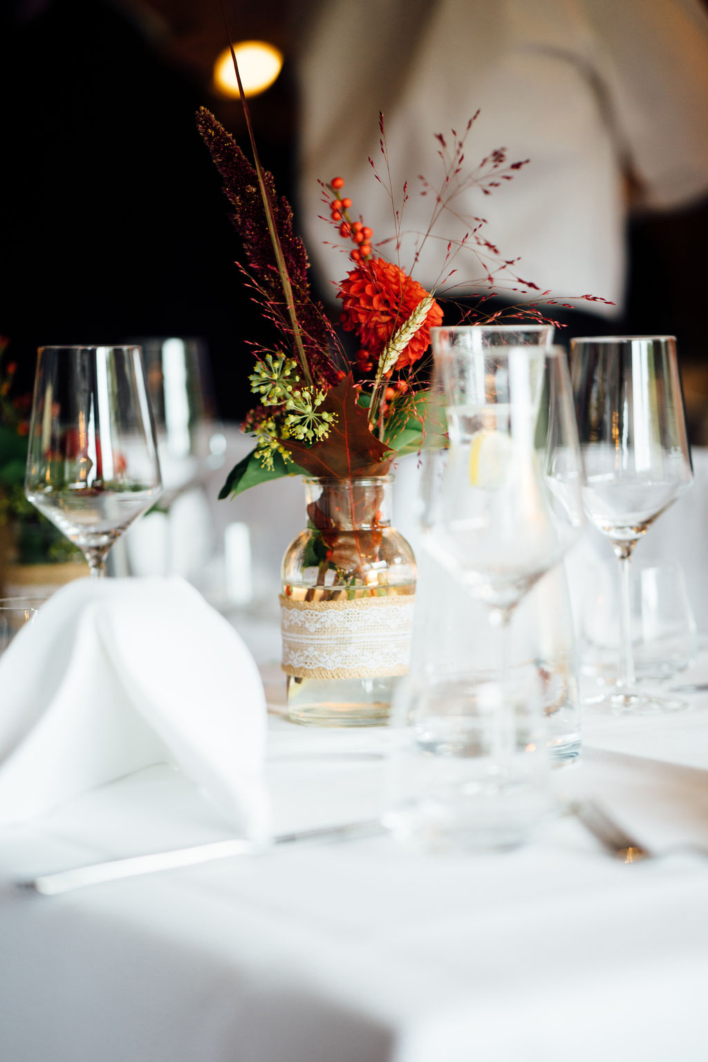 Deko, Tischdeko, Herbsthochzeit, Hochzeit, Freie Trauung, Hubertushütte, Lentschik, Hochzeitsfotografin Rheingau, Wiesbaden