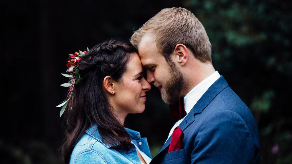 Brautpaar, Brautpaaraufnahmen, Bride, Groom, Hochzeit, Freie Trauung, Hubertushütte, Lentschik, Hochzeitsfotografin Rheingau, Wiesbaden