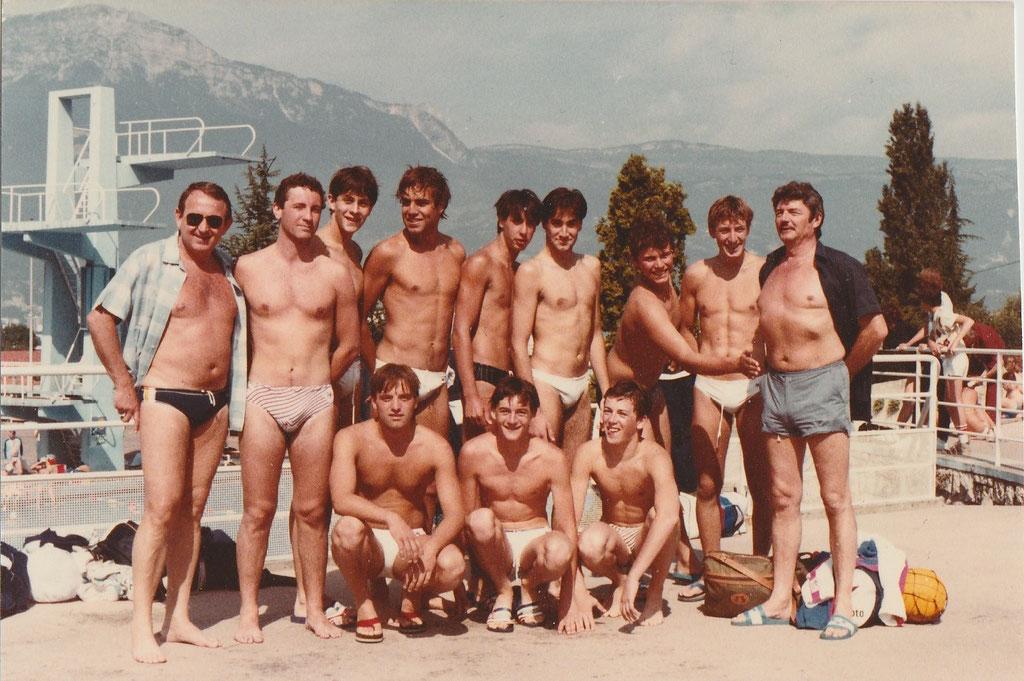Champion de France N3 1981/1982 : L.Piolet, Wojjala, F.Mireur,M.Darmon, E.Lami, C.Grimaldi, Jim Martin, R.Scheider (entraineur),P.O Delange, J.Savarese, Olivier Ingles.