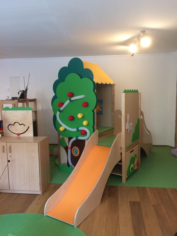 Spielmöglichkeiten im modernen Innenraum