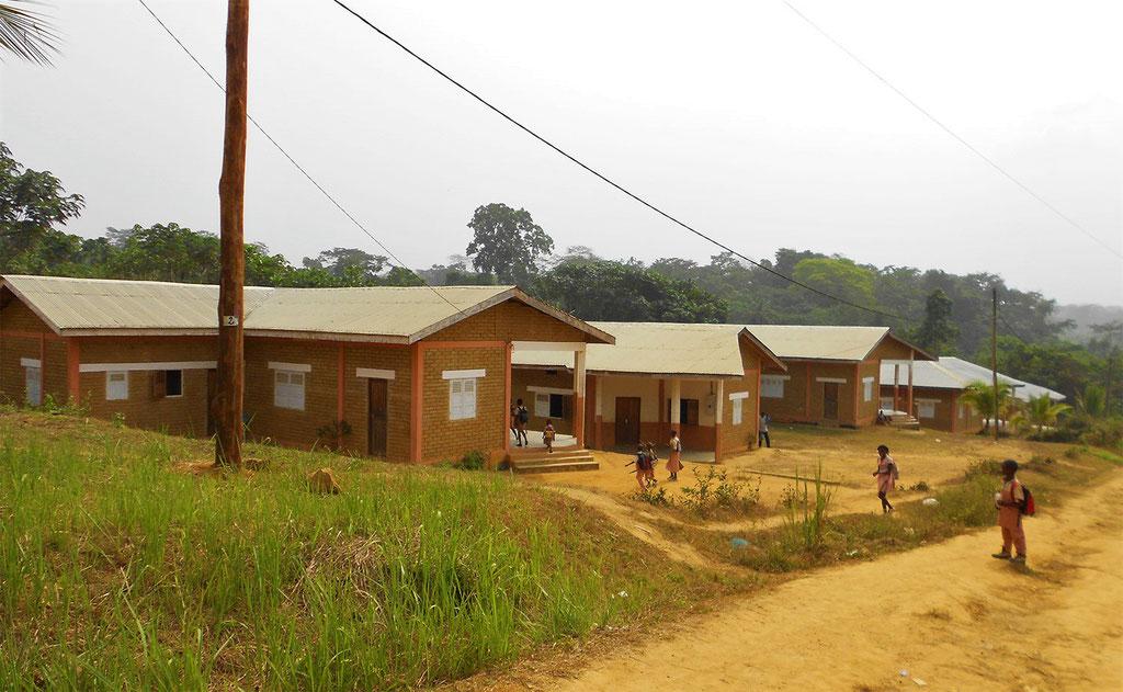 Dibang -logements-enseignants-Ngodi-Si réalisé par organisation humanitaire Afrique Future