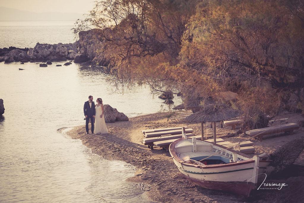 στην παραλία Καρδαμύλης
