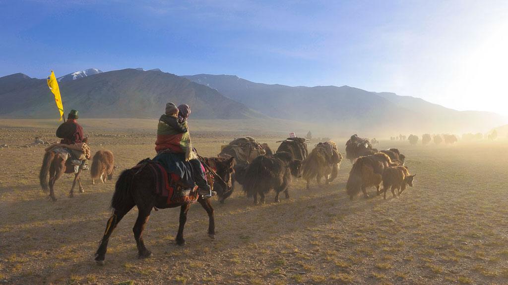 Nomaden beim Lagerumzug