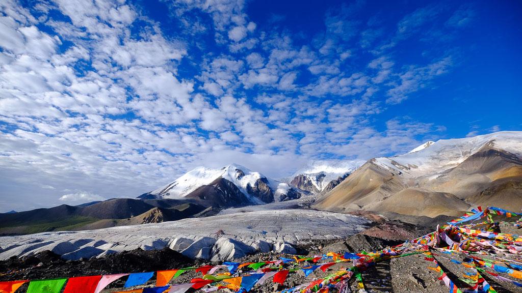 Massiv des Amnye Machen (6282 m) in Amdo