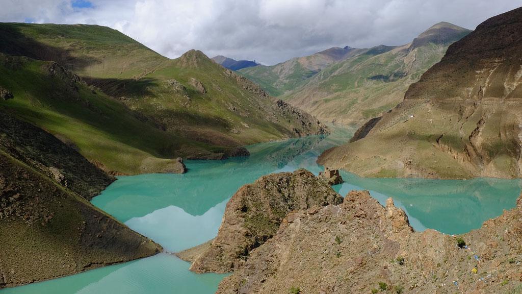 Bergsee auf dem Weg von Lhasa nach Gyantse