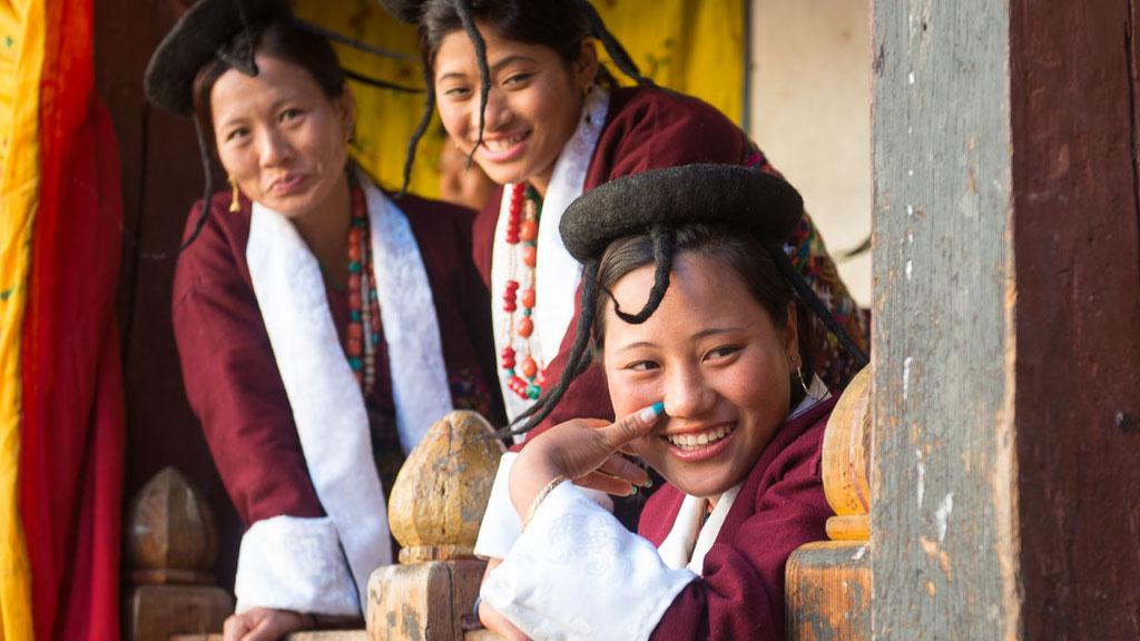 Nomadenfrauen von Merak Sakten im Osten von Bhutan