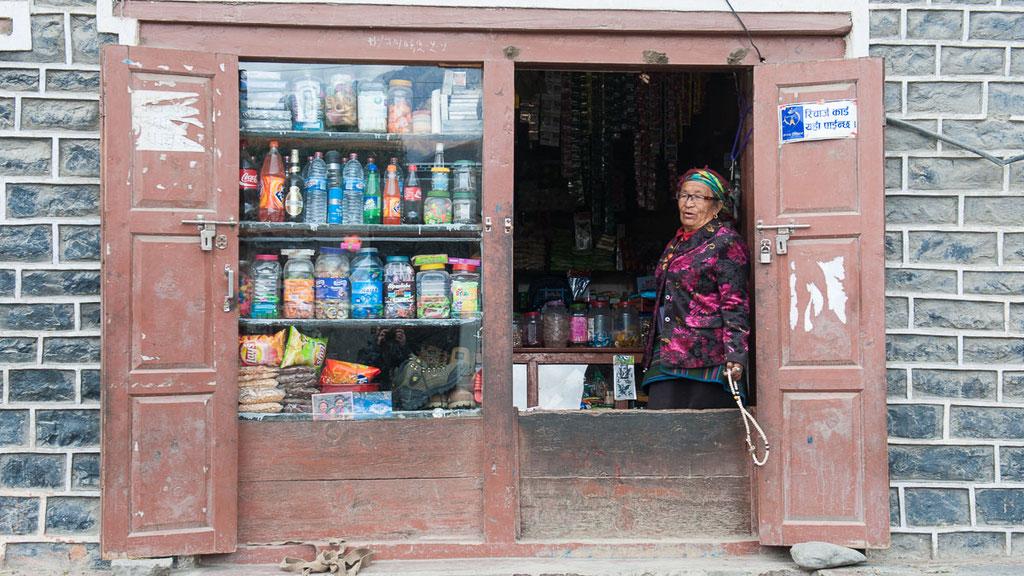 Kleiner Dorfladen in Nepal