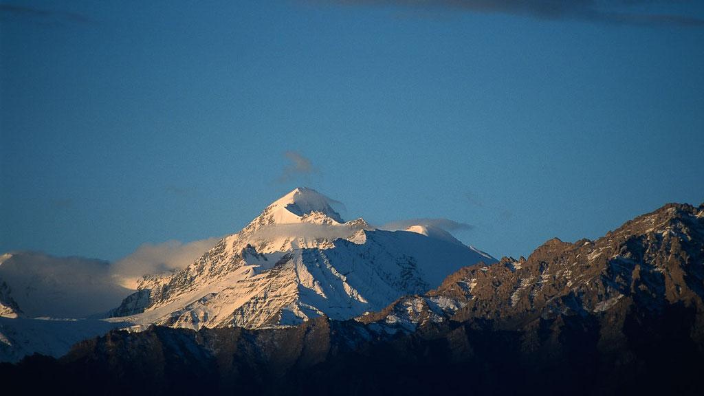 6000er Stok Kangri im Indus-Tal unweit von Leh, dem Hauptort von Ladakh