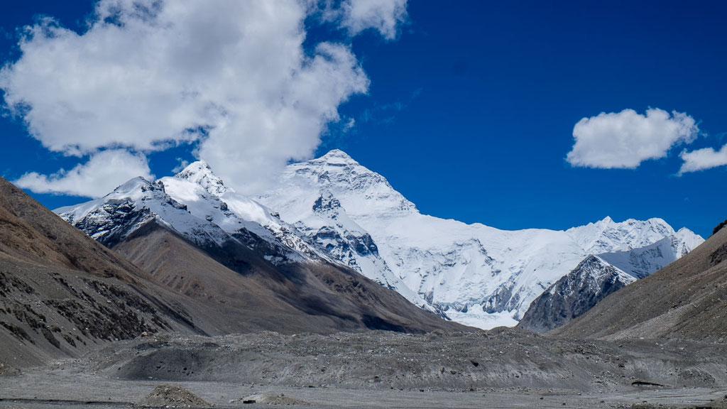 Nordseite des Mount Everest von Tibet her gesehen