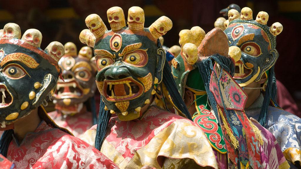 Maskentänzer bei einem ladakhischen Klosterfest